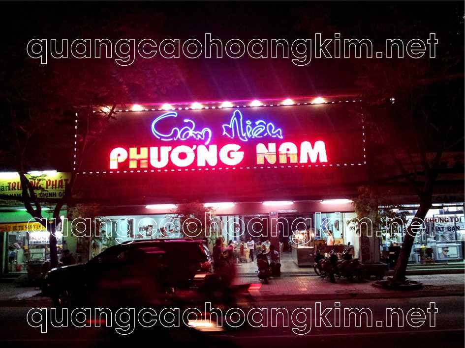 biển quán ăn bằng bảng hiệu alu chữ nổi đèn led
