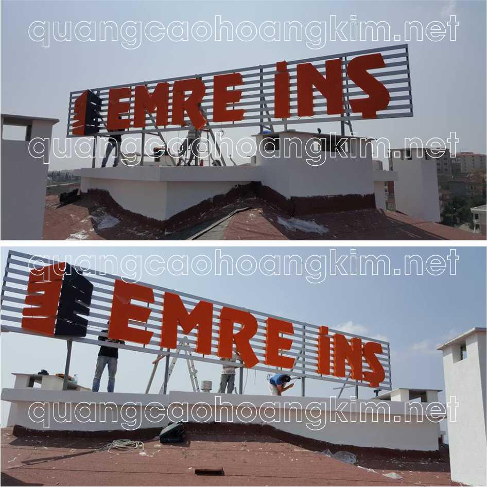 biển quảng cáo chữ nổi trên nóc tòa nhà