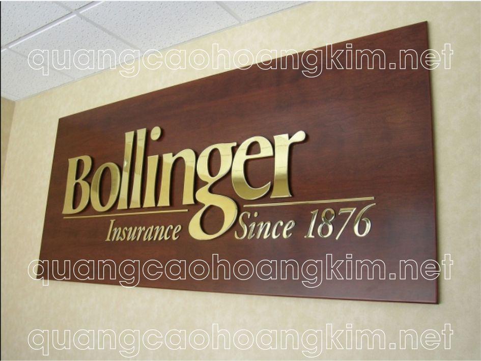 logo văn phòng, backdrop quầy lễ tân gắn chữ đồng nổi biển nhà hàng