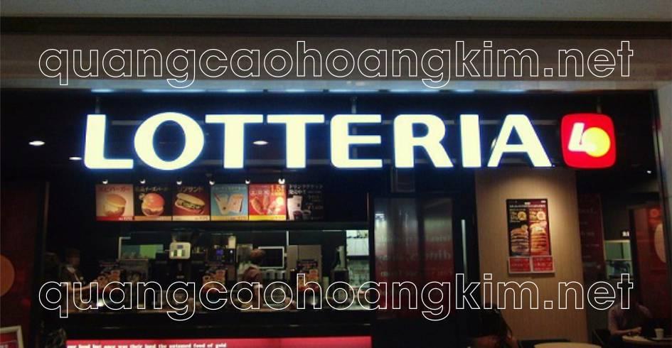 bảng hiệu chữ nổi khung sắt đan nan làm biển cửa hàng quán ăn